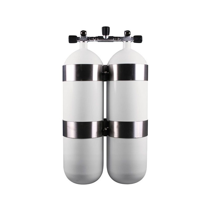 Twinset Steel Cylinders 18 litre, 230 bar, DIR Style - stainless steel tank bands and rubber knobs